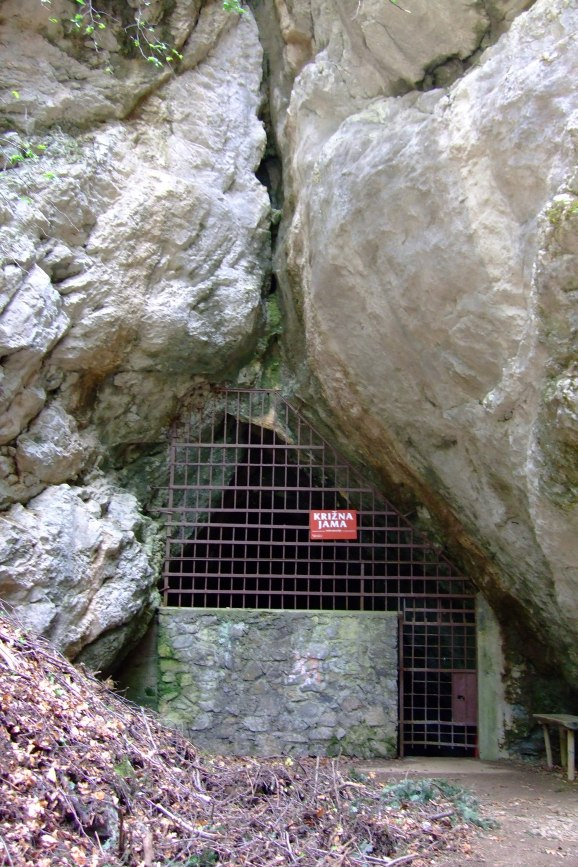 krizna_cave