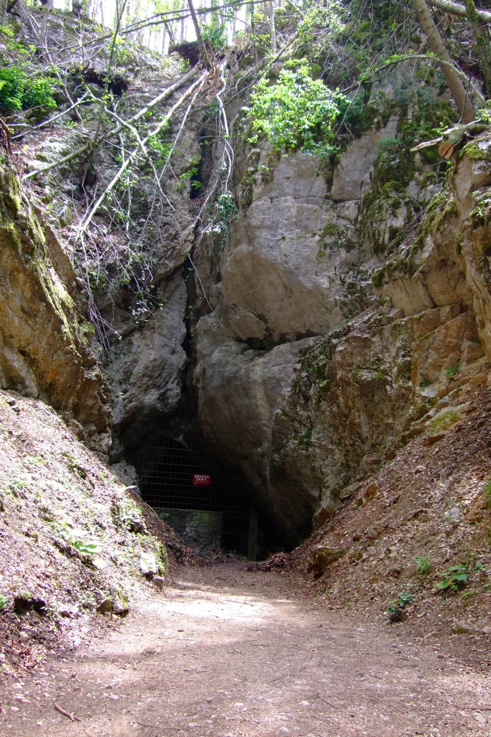 krizna_cave1